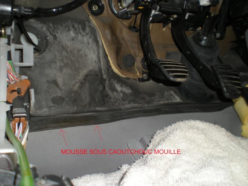 infiltration d 39 eau plancher conducteur clio 2 probleme technique clio clio rs renault. Black Bedroom Furniture Sets. Home Design Ideas