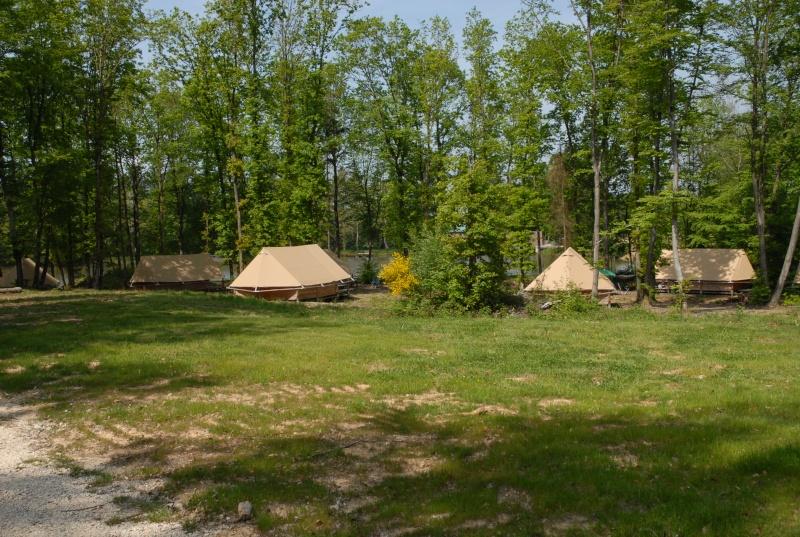 Camping huttopia senonches for Camping chamonix piscine