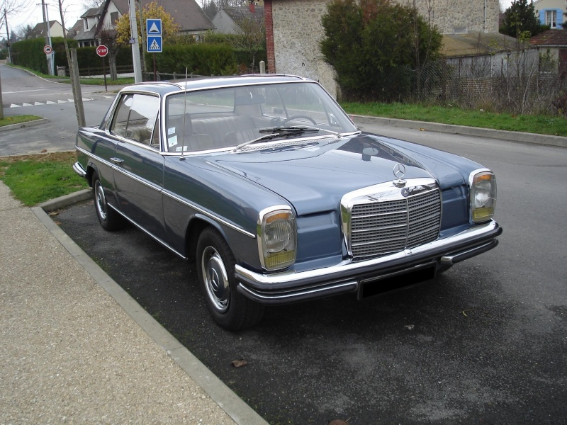 vente mercedes 250c w114 1970. Black Bedroom Furniture Sets. Home Design Ideas