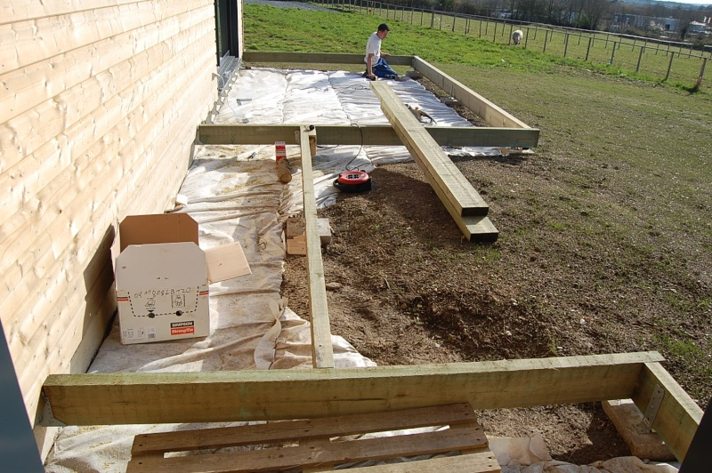 fabrication d 39 une terrasse en bois sur piloties d co. Black Bedroom Furniture Sets. Home Design Ideas