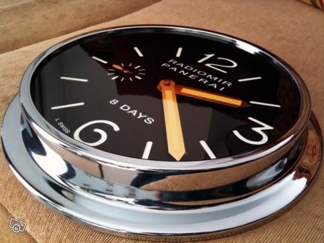 o trouver une horloge murale publicitaire omega rolex heuer etc page 2. Black Bedroom Furniture Sets. Home Design Ideas