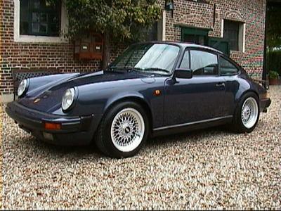 jai peut tre des gouts de luxe mais je prefre la porsche 911 ancien modle - Porsche Ancienne