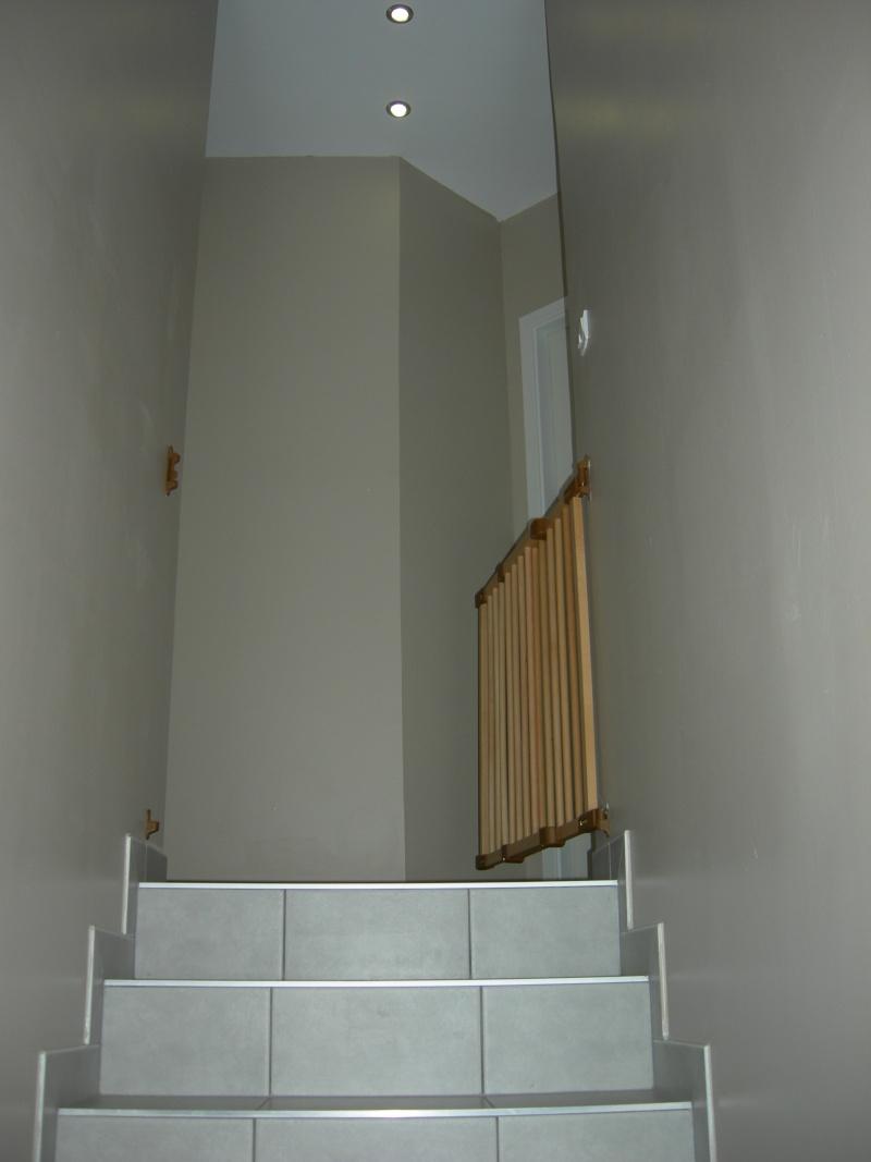 D co pour couloir trop triste trop sombre - Quelle couleur pour une cage d escalier sombre ...