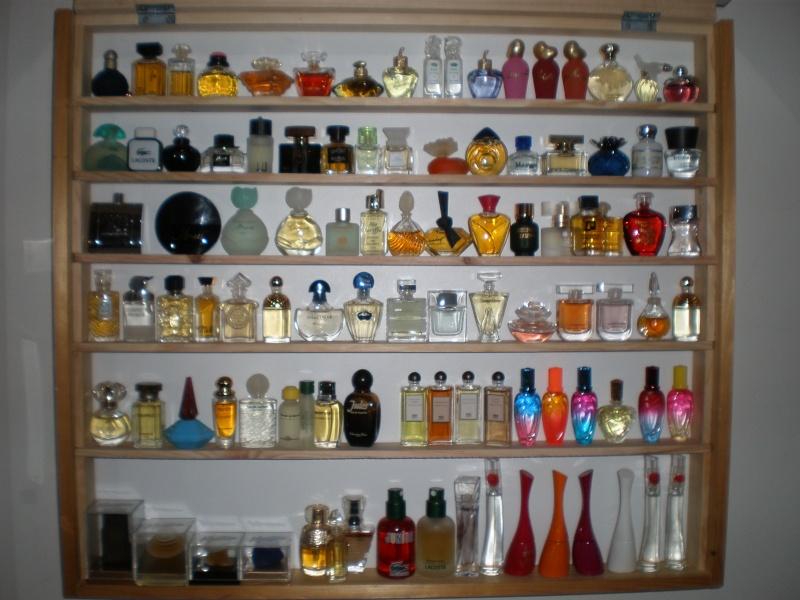 ma collection de flacons de parfum les miniatures. Black Bedroom Furniture Sets. Home Design Ideas
