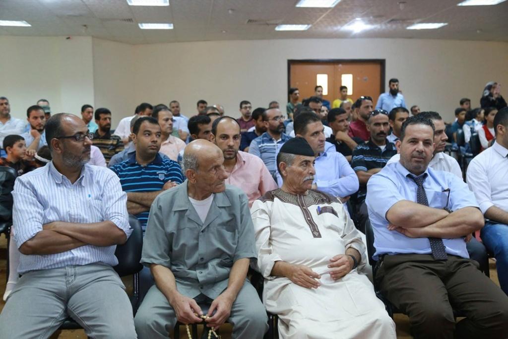جامعة الأقصى تمنح الباحث حسين 39329211.jpg